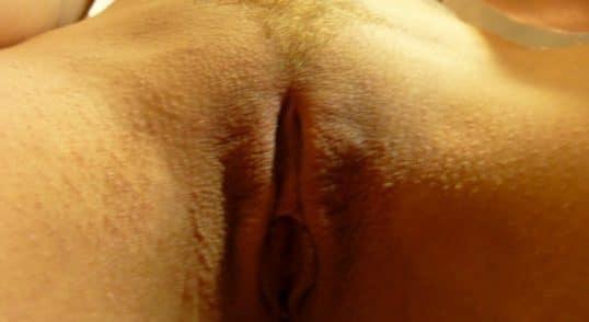 Echtes AO Girl für Sex ohne Gummi